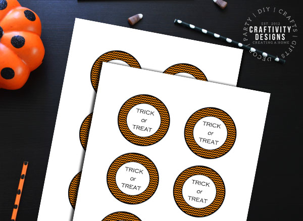 "gift tags with the phrase ""trick or treat"""