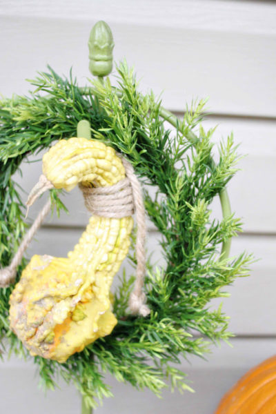 15 Classic Wreaths made with Natural Materials