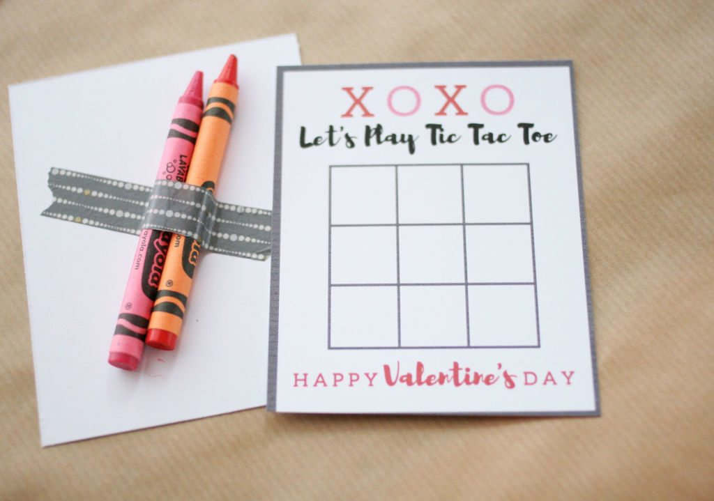 Tic Tac Toe Valentine Card with crayons