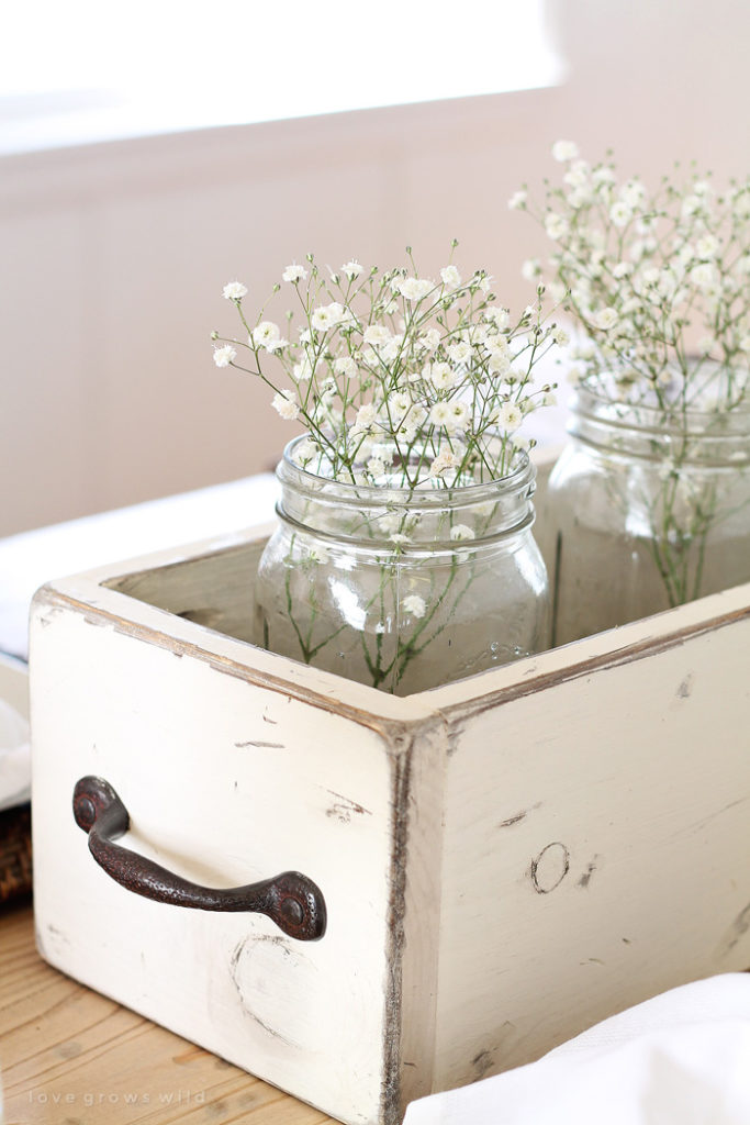 15 Spring Floral Arrangement Ideas // Baby's Breath