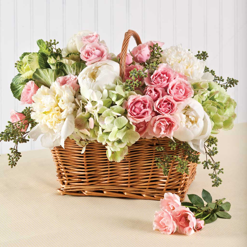 15 Spring Floral Arrangement Ideas // Basket, Pink, Green, Rose