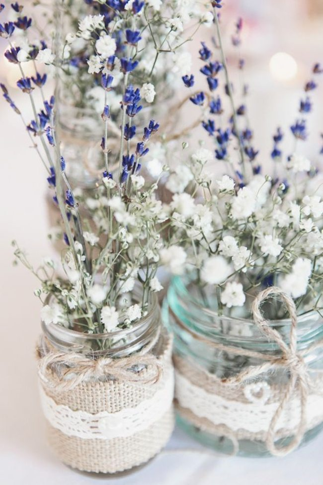 15 Spring Floral Arrangement Ideas // Lavendar, Baby's Breath, Mason Jar, Burlap, Lace