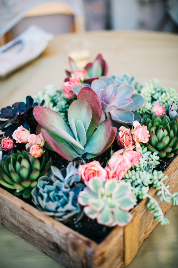15 Spring Floral Arrangement Ideas // Pink, Green, Succulent, Rose
