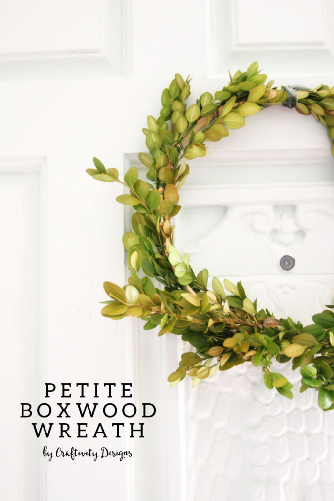 How to Make a Boxwood Wreath by @CraftivityD, small wreath, DIY Boxwood Wreath