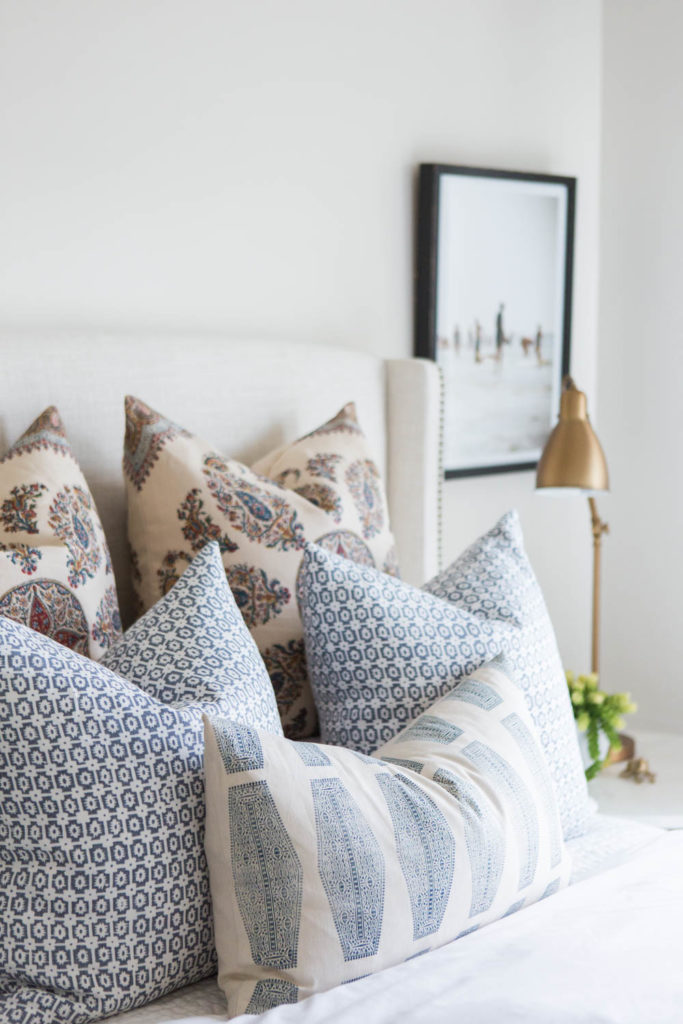 14 Outdoor Pillow Fabrics and Combinations by @CraftivityD-- photo from House of Jade Interiors