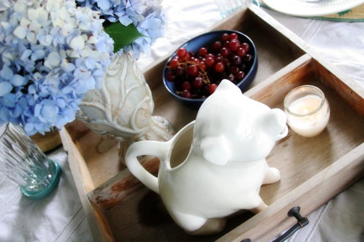 Farmhouse Style Summer Tablescape