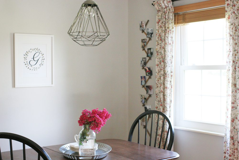 A farmhouse style breakfast nook, with rustic and vintage details. by @CraftivityD