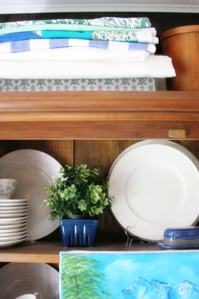 Check out these Summer Decorating Ideas! In this Summer Tour of my Dining Room, see how I brought beach-inspired texture and color into a neutral space. #AtHomeFinds @CraftivityD @athomestores
