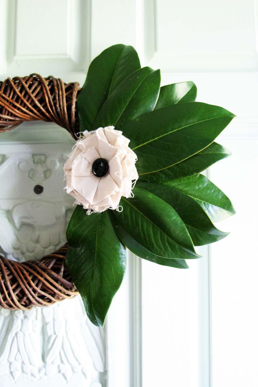 Magnolia Leaf Wreath: Simple DIY Magnolia Wreath : Fall Wreath Blog Hop