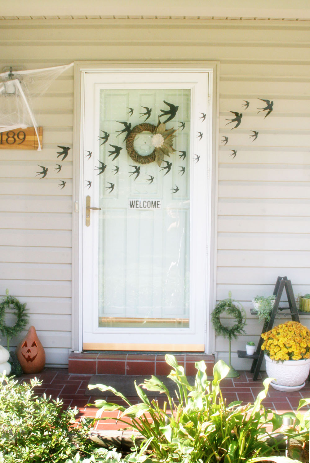 Spooky Halloween Decorations for Kids, Kid-Friendly Halloween Decoration Ideas, Raven Halloween Ideas, Black Crow Halloween Ideas, Front Door Halloween Decoations, by @CraftivityD