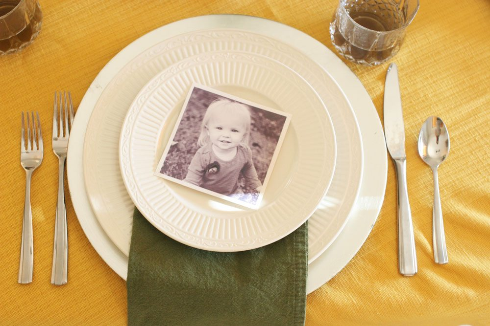 A Thanksgiving Table Setting with Family Photos, Thanksgiving Tablescape, Thanksgiving Table Decor Ideas by @CraftivityD