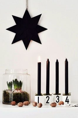 DIY advent wreath with wooden blocks and number decals