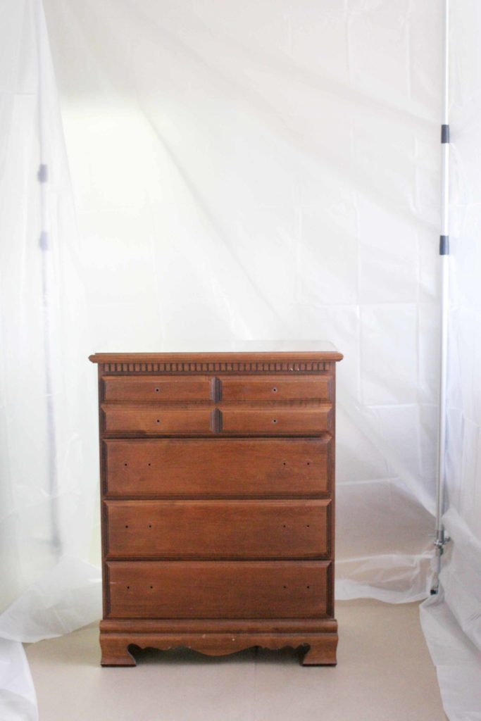 How to spray paint indoors with a DIY Indoor Spray Paint Booth. No need to be dependent on weather with an indoor spray tent and indoor paint booth. #diyproject #renovation #furnituremakeover Indoor Paint Booth | Indoor Spray Booth | DIY Indoor Spray Paint Booth | DIY Spray Paint Booth | DIY Indoor Paint Booth | Indoor Spray Paint Booth