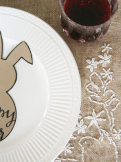 Are you looking for an Easter Table Setting? Grab this Free Easter Bunny Printable and have a