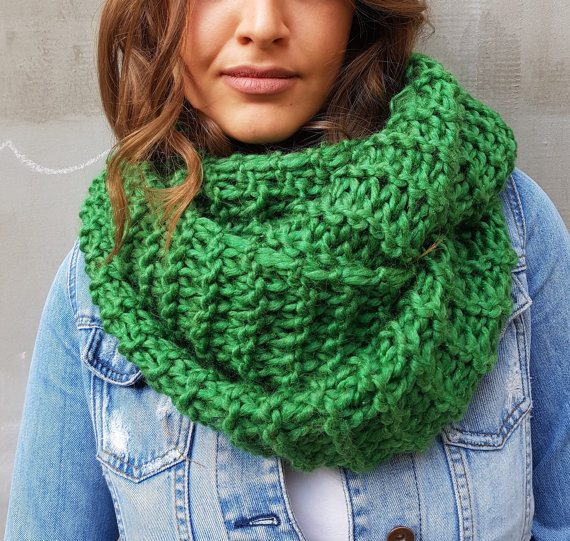 Chunky Kelly Green Knit Scarf (Click Image to View the Listing)