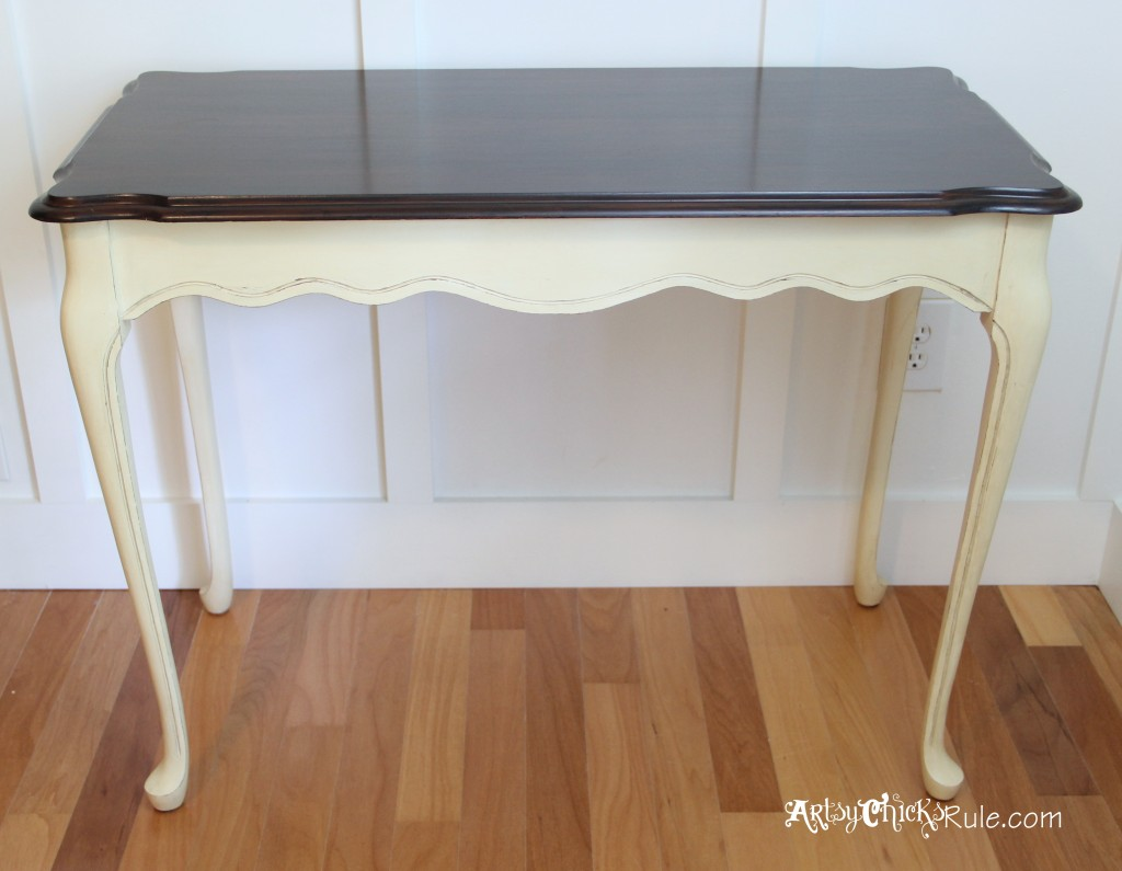 Artsy Chicks Rule, Do you have old furniture lying around? Update it! Check out12 stained furniture makeovers and techniques that will inspire you to get started, today.