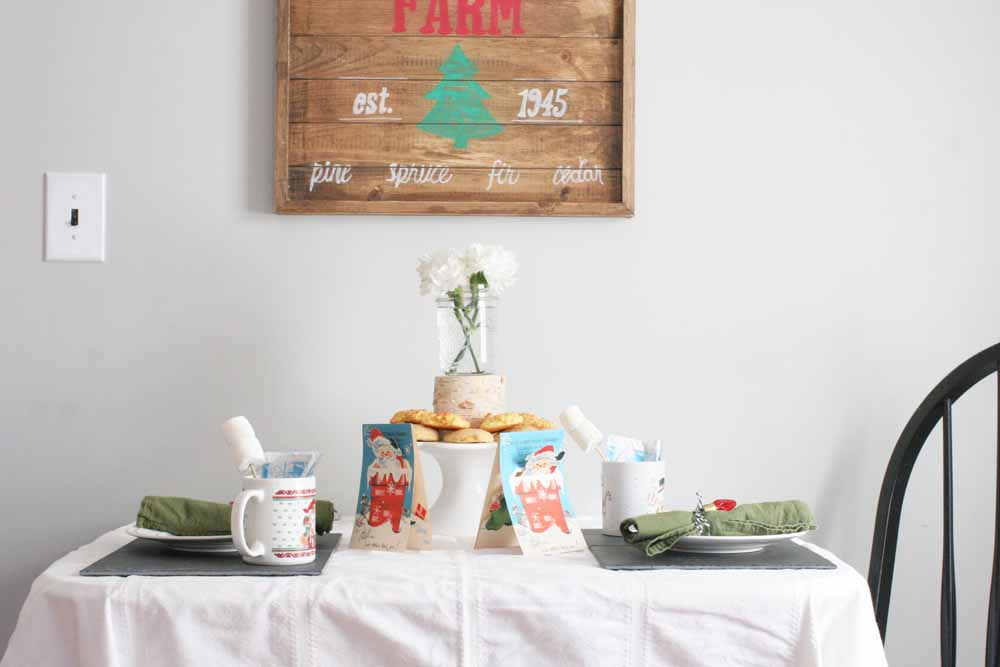 Throw a Christmas Hot Chocolate and Cookie Party, Cocoa and Cookies Party, #hotchocolate #cookieparty #christmas