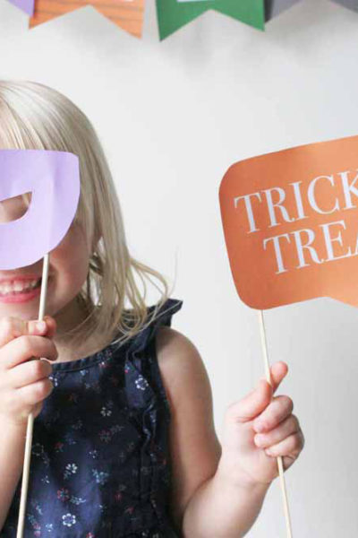 Free Halloween Photo Booth Props Printable (+ Photo Booth Backdrop!)