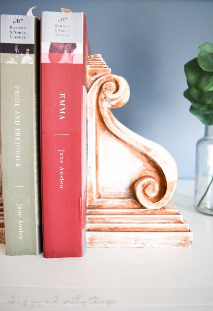 10th Day of Craftmas: DIY Rustic Corbel Bookends