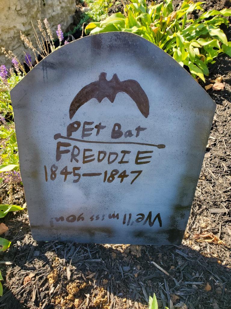 tombstone saying - pet bat freddie